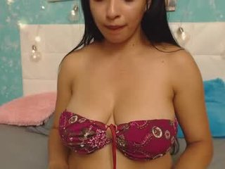 sofia_morrison slim cam babe doing everything types fuck you ask them in a sex chat