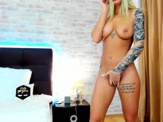eveelynnex blonde cam girl gets her ass stuffed with huge dick