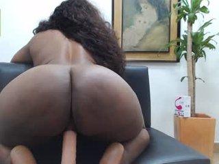 tiffany_fukme spanish cam babe gets her asshole humped