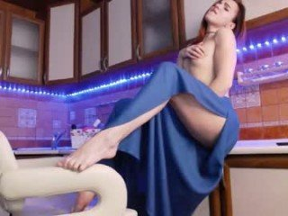 a1ice_red russian slim cam babe wants to you feel your cock moving back and forth inside in her horny holes online