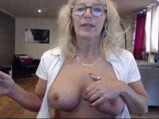 fitcougarcb cam mature gets her pussy inserted ohmibod online