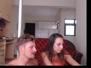 anab_frank spanish cam girl rubs her shaved pussy nice on camera
