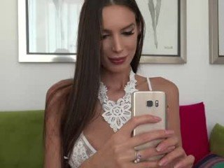 unforgettable_s cam girl fucks in various positions and gets a facial online
