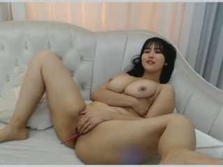 mei_tin cam girl squirting with ohmibod online in the chatroom