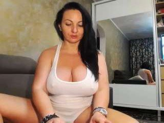 sexyygoddes cam girl uses two sex toys to please her sweet ass
