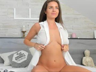 _nastya_ beauty cam girl gets an strong orgasm from ohmibod in her asshole