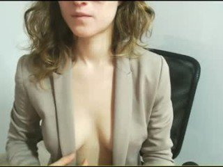 jessehotman kinky slim cam girl loves playing with a magic wand online
