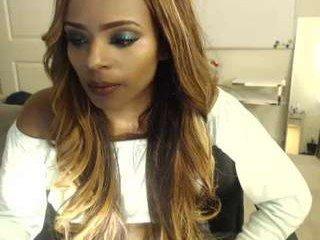 honey_bella beauty cam babe masturbates with ohmibod online