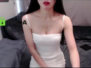 elegantly_bb kiss live show with beautiful cam babe