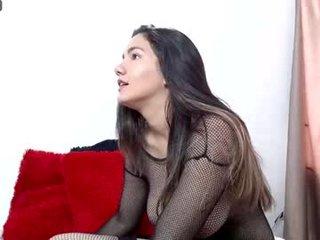 harper_seven07 spanish cam girl rubs her shaved pussy nice on camera