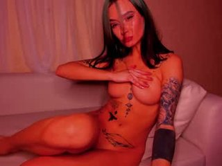nasty_eva french pregnant cam girl showing his body erotically