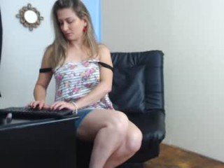 naughty_mom_ cam mature spanish showing off her wide-open pussy online