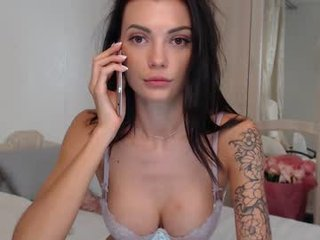 dreamana beauty slim cam babe enjoys amazing live sex with her horny lover