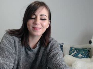 vera_velvet cam girl wants gets spanking action on camera