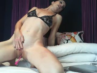 luxurylips cam mature gets her pussy inserted ohmibod online