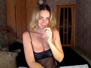 your_woman european cam mature decides to repeat that experience on camera