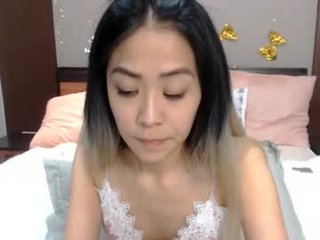 cayo_madoka slim cam cutie playing with a her ass hole in private chat