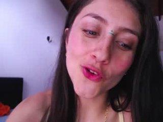 littlelaksmi brunette cam girl loves being a submissive kink slut