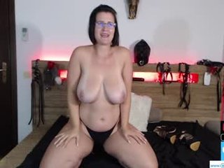 curvyjules69 deutsch european cam babe in a wonderful and sensual live sex act
