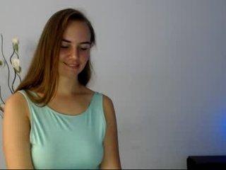 sonyaa_sun_ french cam babe enjoying live sex show with ohmibod