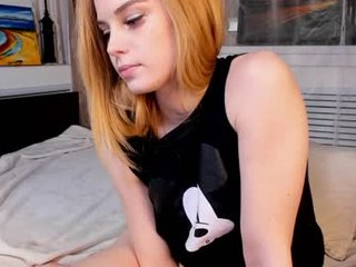 bella_bloomy cam babe presents squirting with vibrating legs online