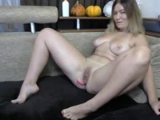 modest_devil cam girl welcomes anal live sex with ohmibod