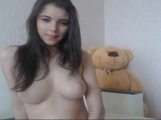 xvsesss beauty cam girl dominated all the time