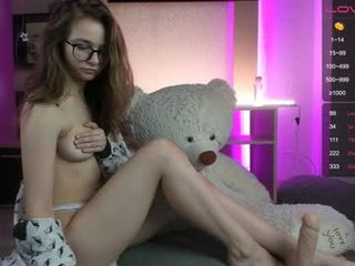 mini_princess white cam babe blows and get anal