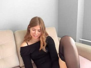 gatta_bianca live sex in private chat with blonde whore