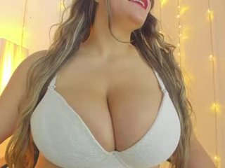 big_tits_in_your_face cam mature spanish showing off her wide-open pussy online