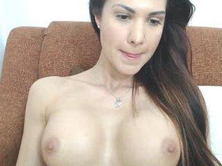ady_w_o_w beauty slim cam babe enjoys amazing live sex with her horny lover